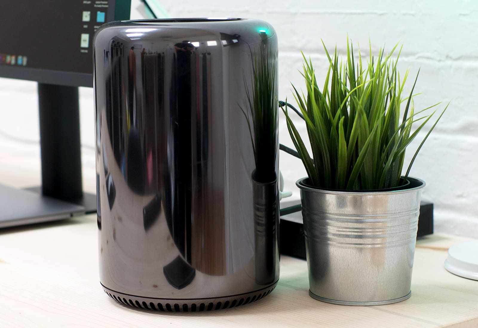 "The Mac Pro is being ""completely rethought."""