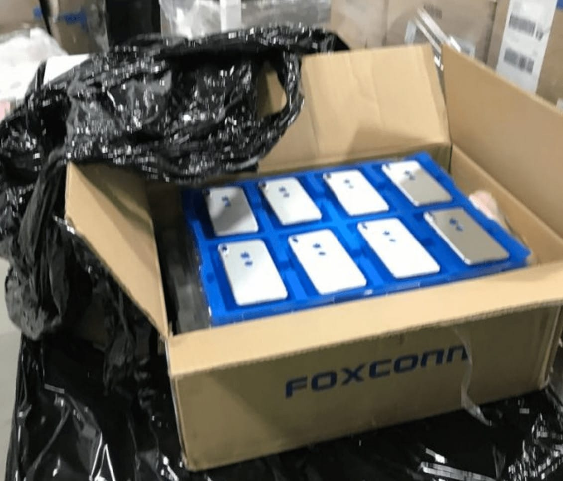 iPhone 8 Foxconn box