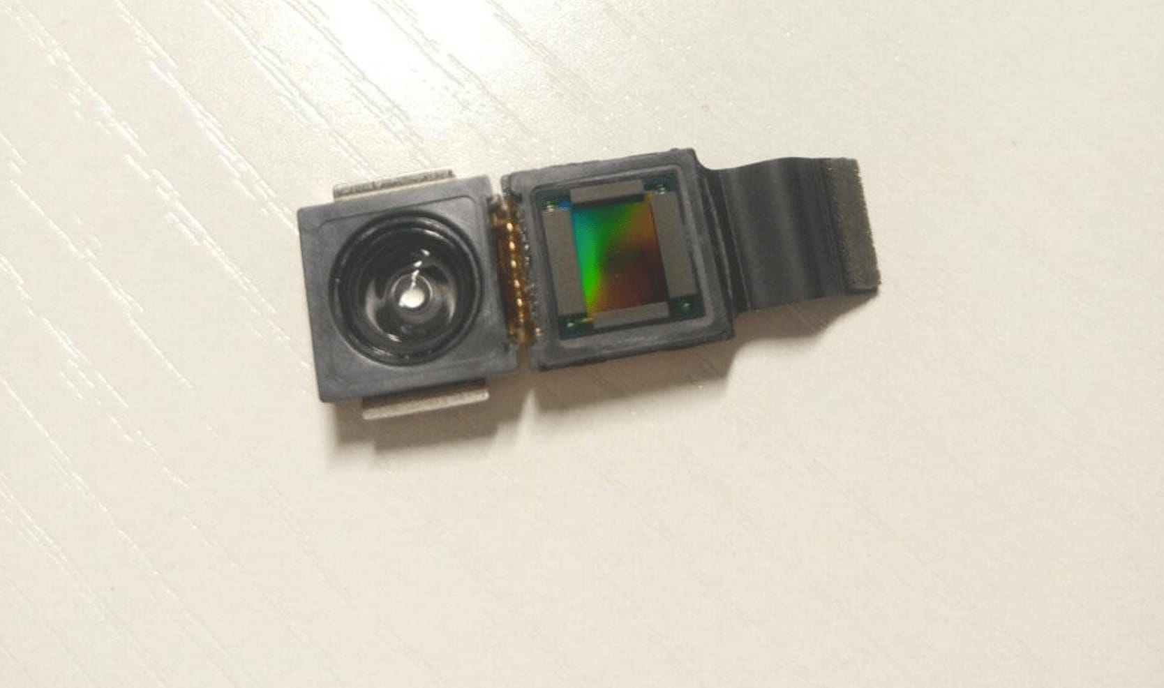 iPhone 8 facial recognition sensor