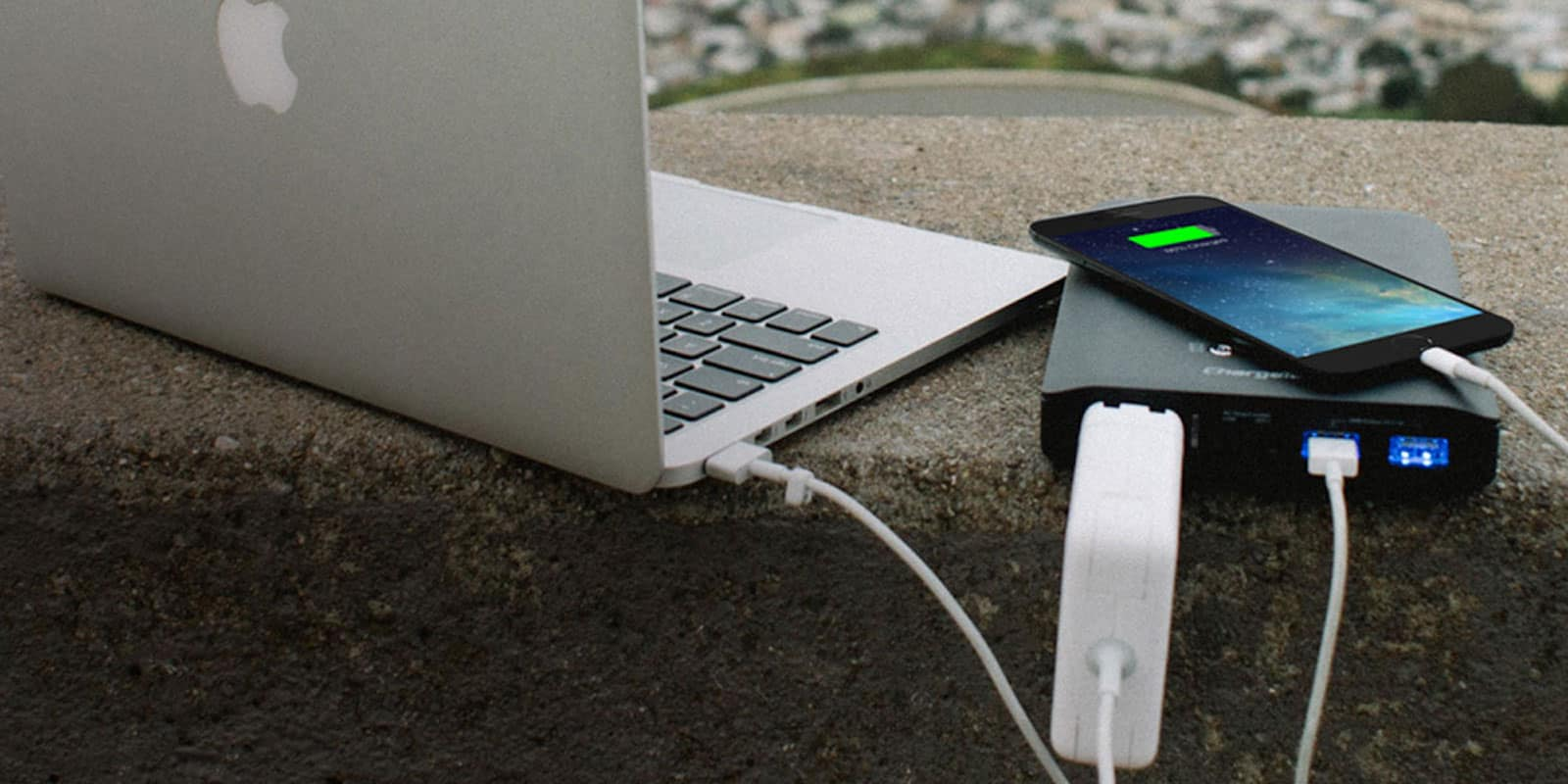This tiny battery has a massive capacity, able to charge an iPhone 6 Plus as many as 8 times.