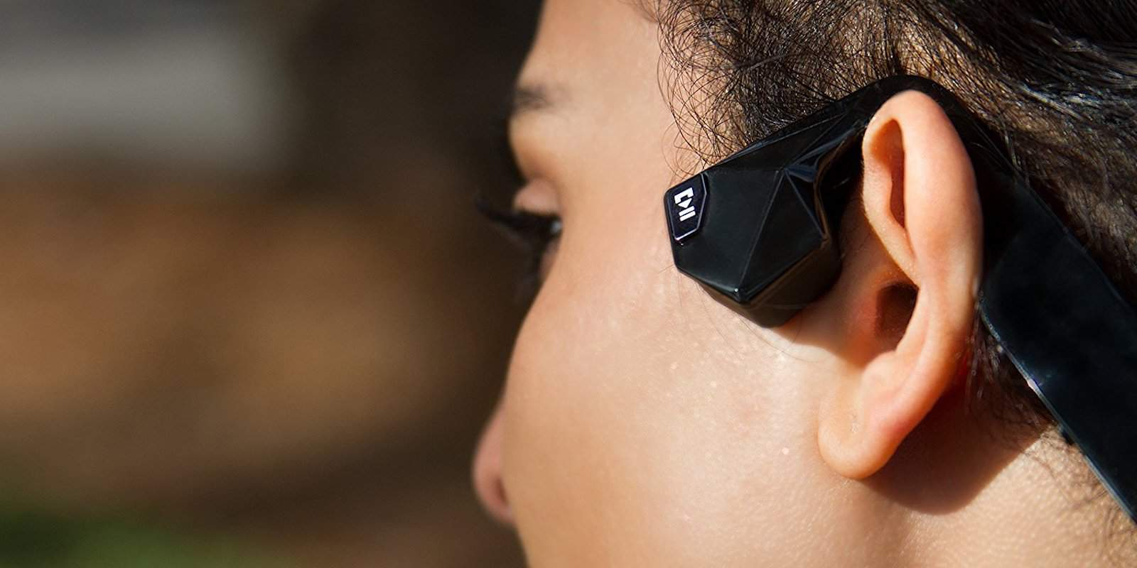 These bone-conduction headphones might be the future of personal audio.