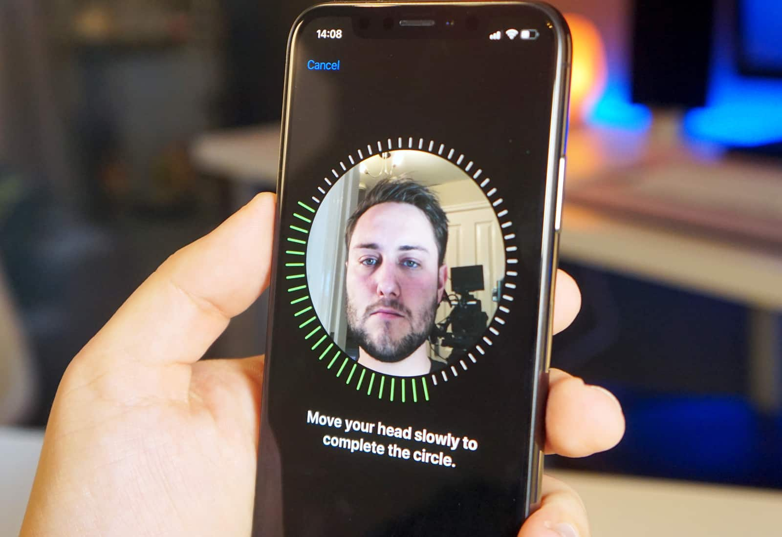 Face ID can now recognize a second person