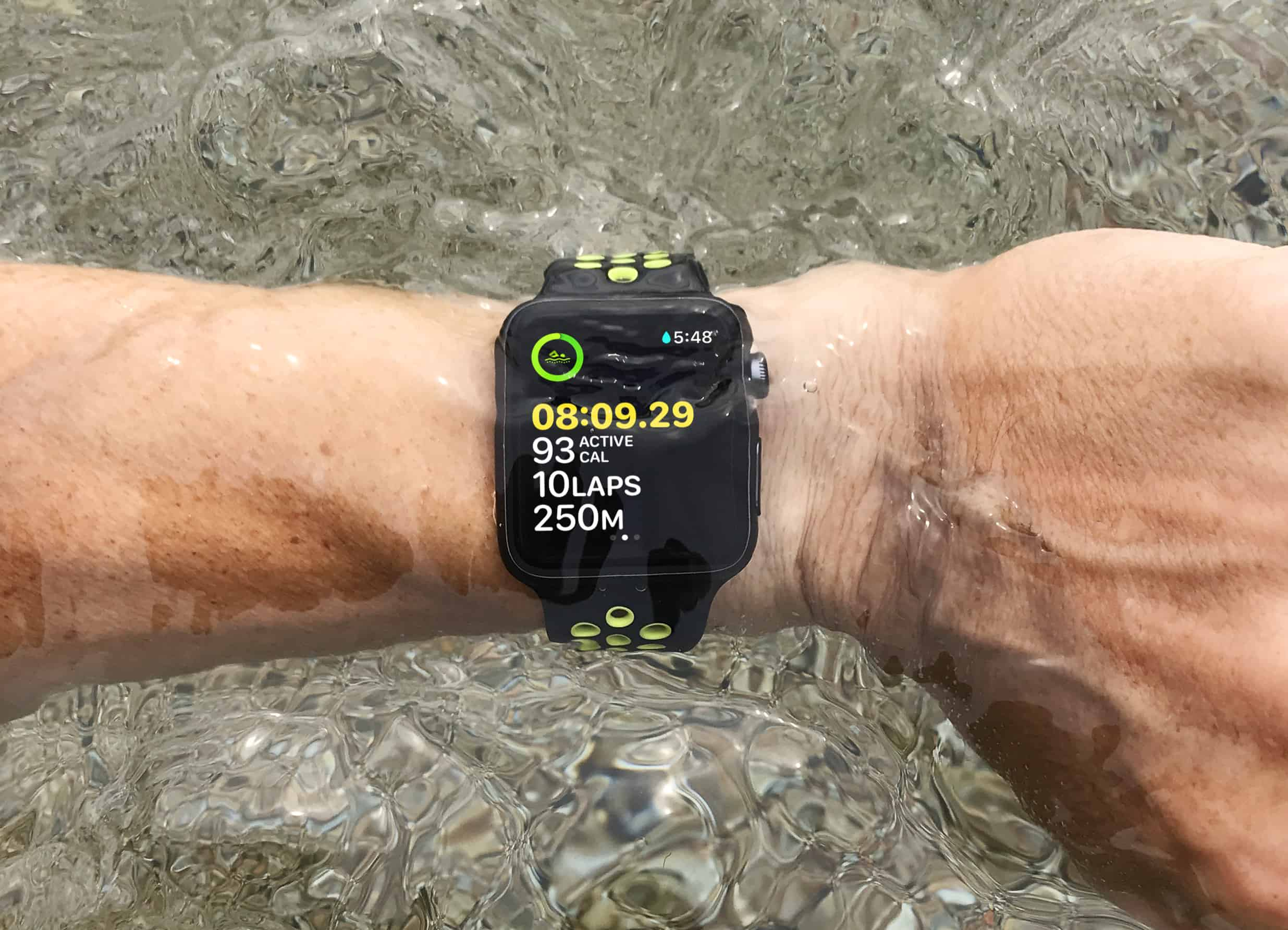 The Apple Watch touchscreen is disabled in waterproof mode, so how do you finish your workout?