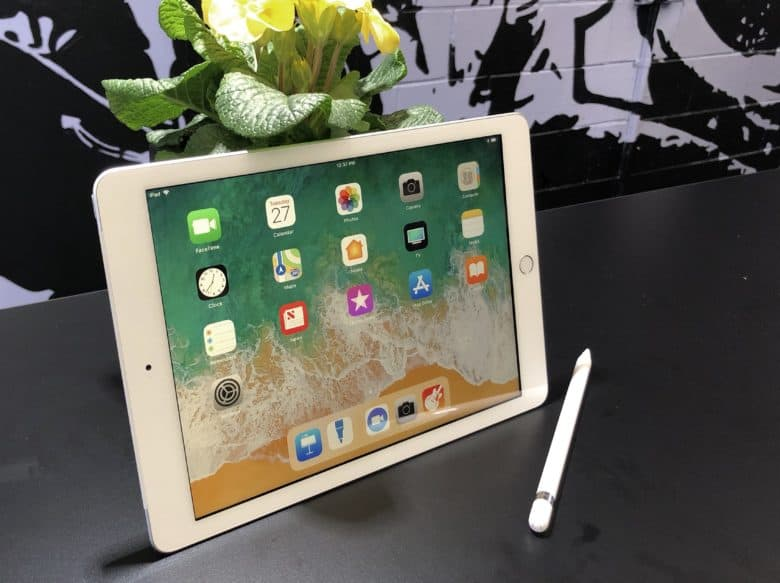 2018 iPad and Apple Pencil