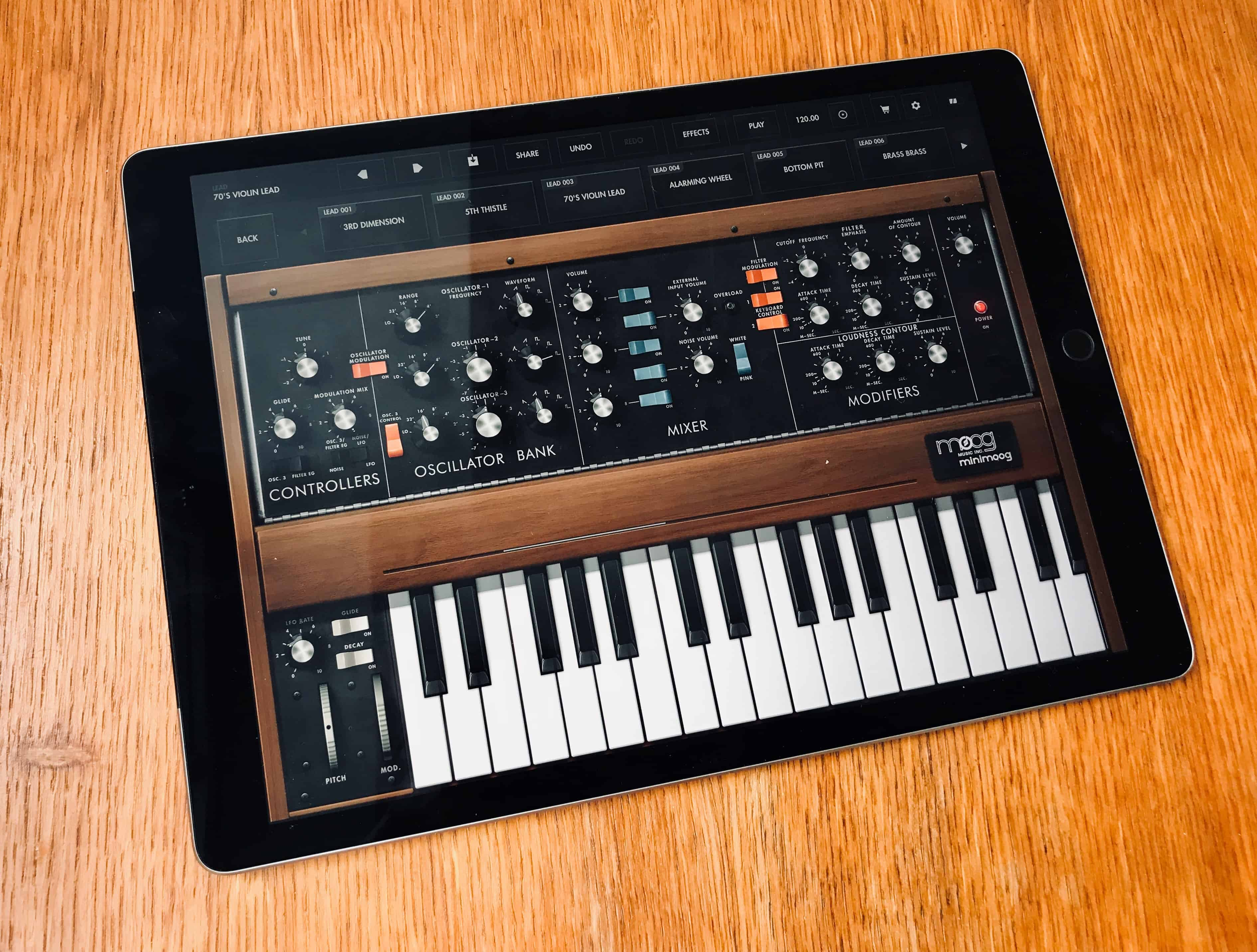 moog brings world 39 s first portable synth to ipad cult of mac. Black Bedroom Furniture Sets. Home Design Ideas