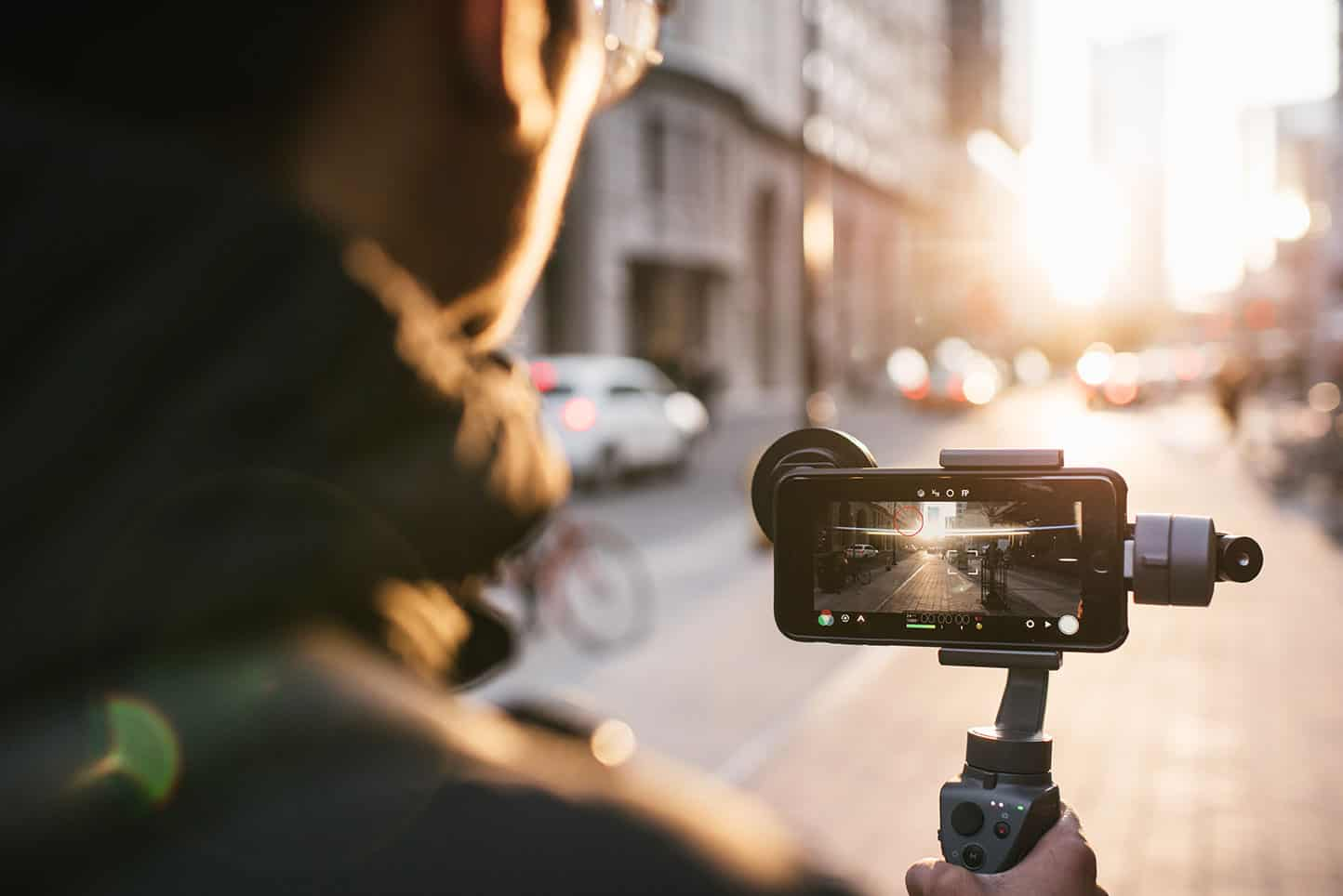 Anamorphic lens brings Hollywood look to iPhone video