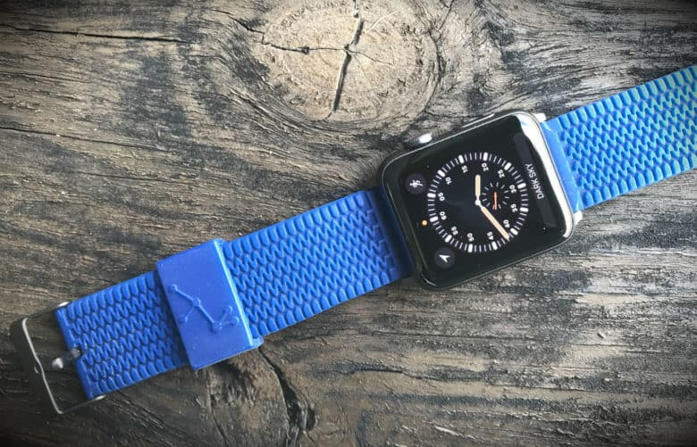 Carterjett Tire Tread Sport band review: A silicone band for big wrists.