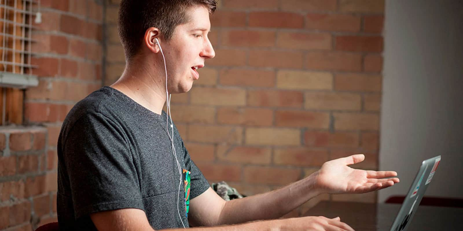 This course teaches iOS app development through hands-on exercises and lessons.
