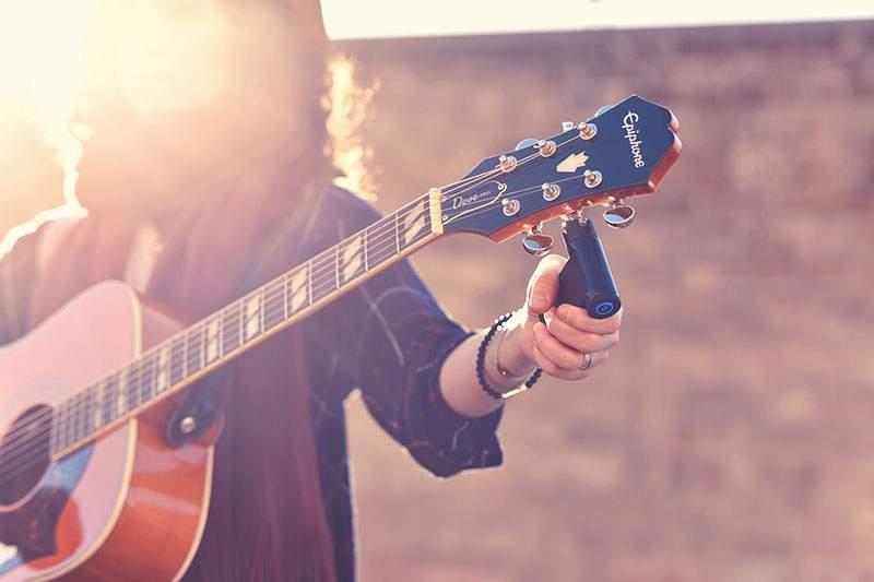 roadie iPhone guitar tuner