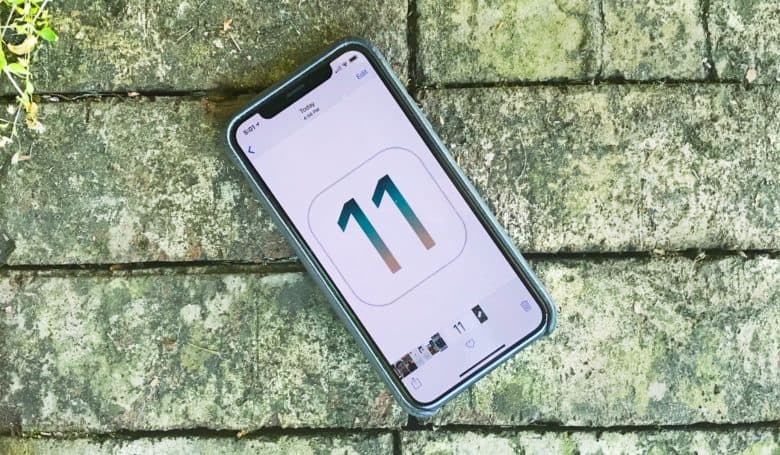 Developers must support iPhone X screen iOS 11 SDK