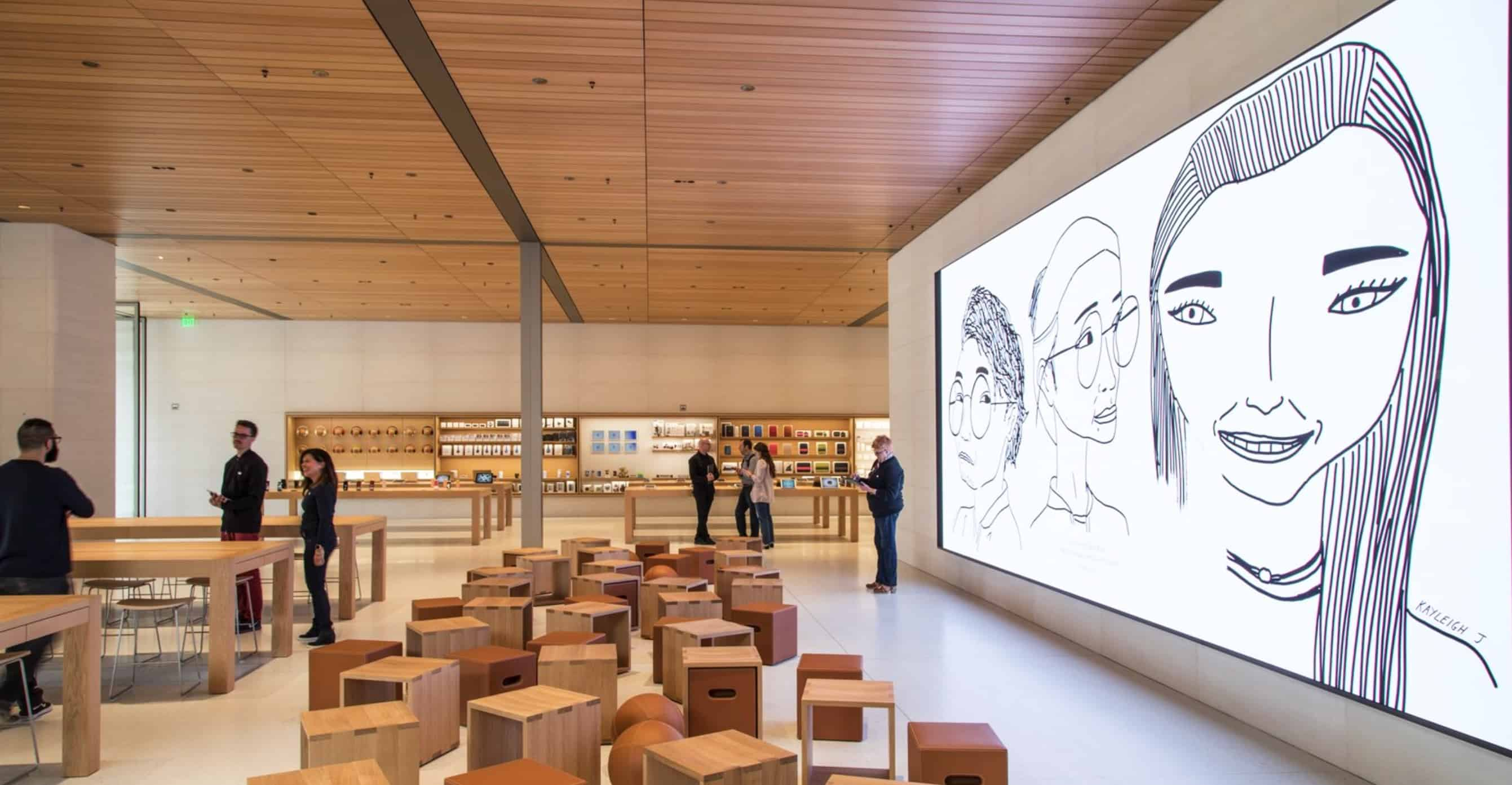 Seattle Apple Store has a giant screen