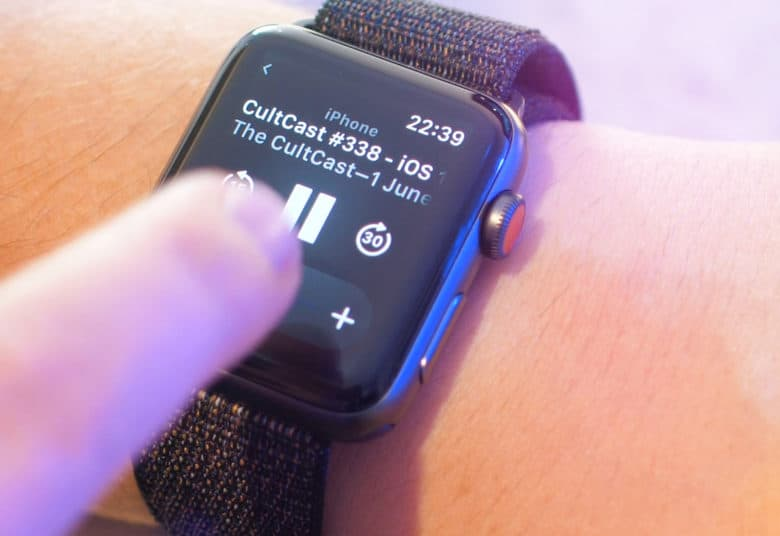 The new Podcasts app in watchOS 5 allows you to listen to Erfon and co. while on the go.