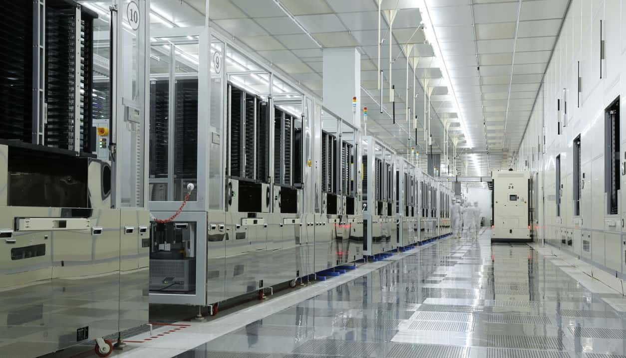 BOE Technology Group already makes LCDs for Apple, and this Chinese company now wants to produce OLED iPhone screens.