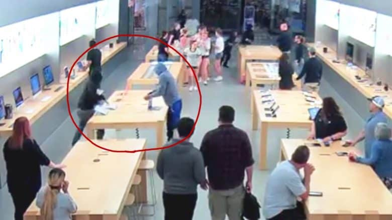 Grand theft Apple: Robbers snatch $27000 worth of electronics in seconds