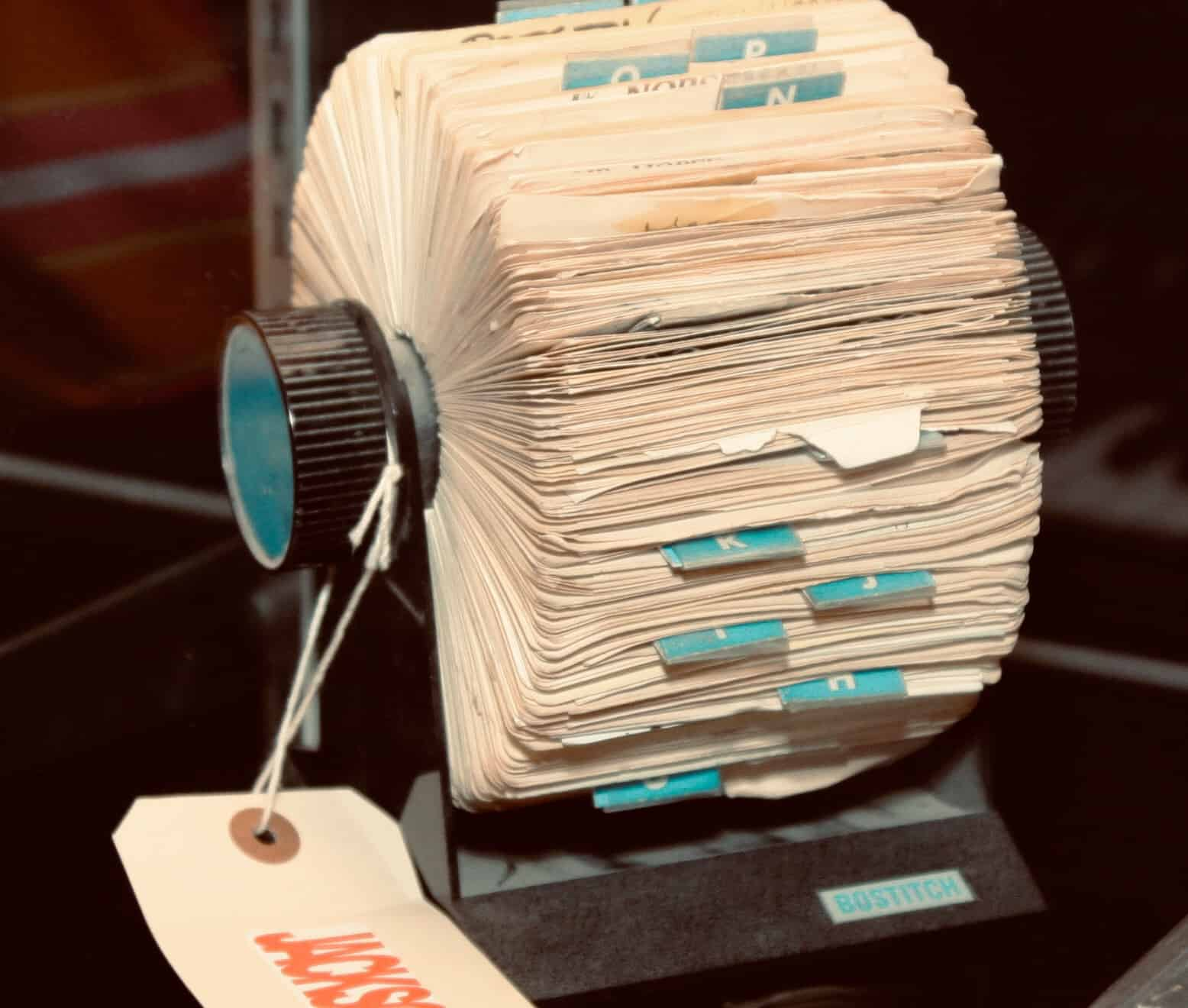 Does your Safari tab view looked like an overstuffed Rolodex? We can totally help.