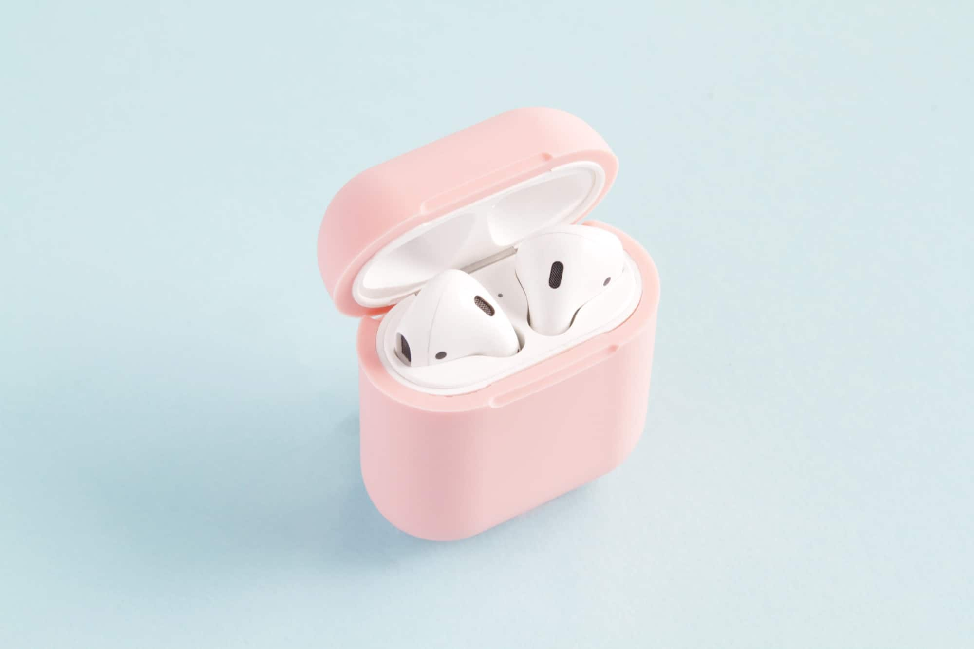 AirPlus Case Adds Wireless Charging to your AirPods