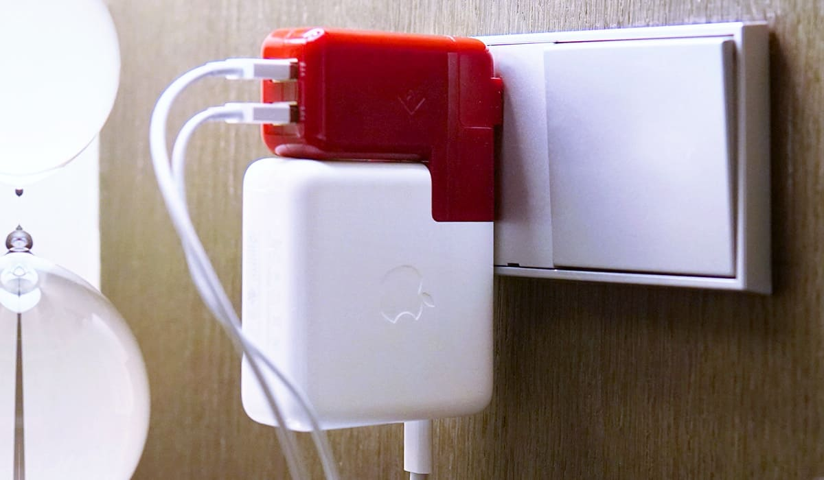 With PlugBug Duo, you can simultaneously charge your MacBook, iPhone, and iPad from one plug.