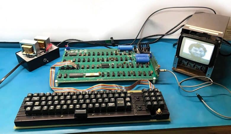 In previous auctions, other Apple-1 computers have sold for as much as $815,000.