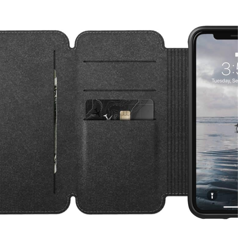 The Rugged Tri Folio has 4 card slots and 2 cash