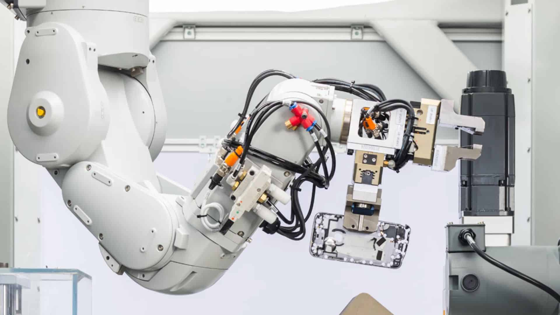 Apple's Daisy is a prototype recycling robot that can disassemble nine types of iPhone and sort the parts for recycling