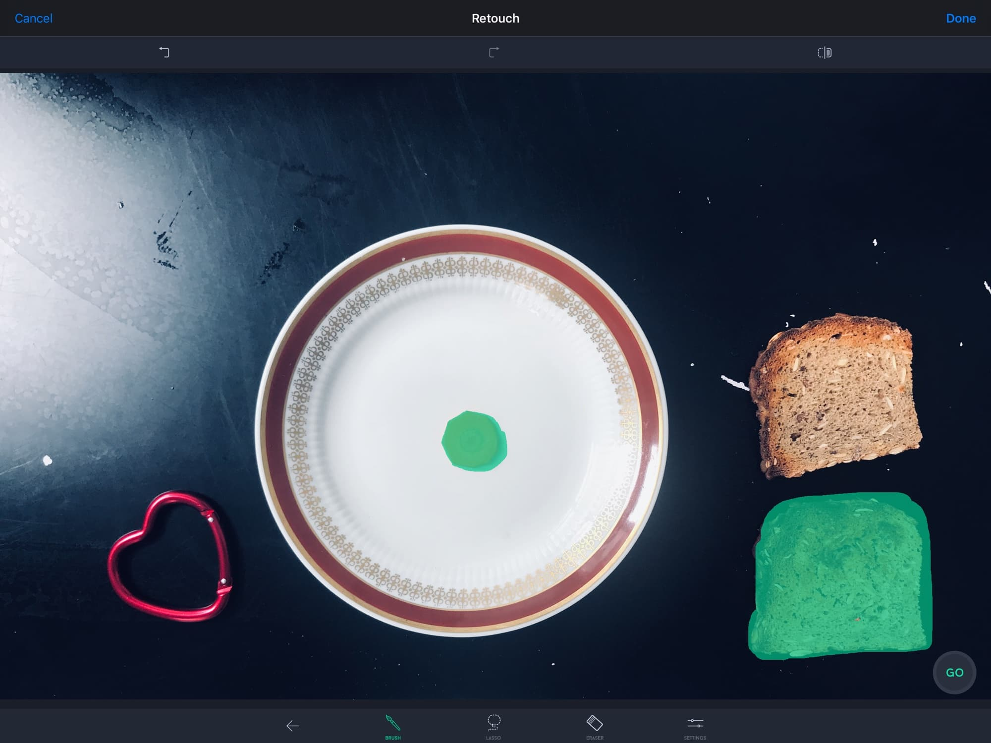 How will TouchRetouch manage with this delicious breakfast?