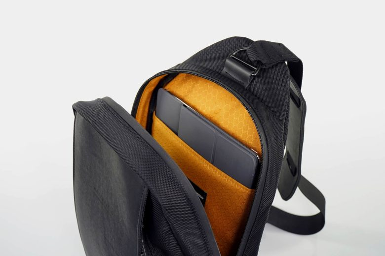Sleek Sling Bag Lets You Carry Ipad Pro With Style