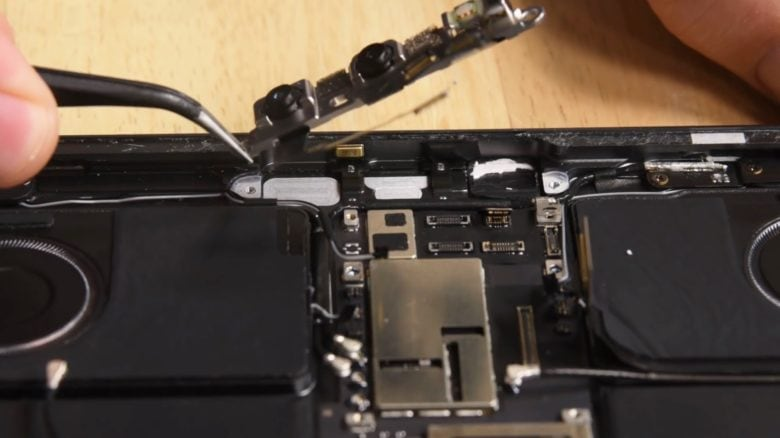Disassembling an iPad Pro isn't for the faint of heart.