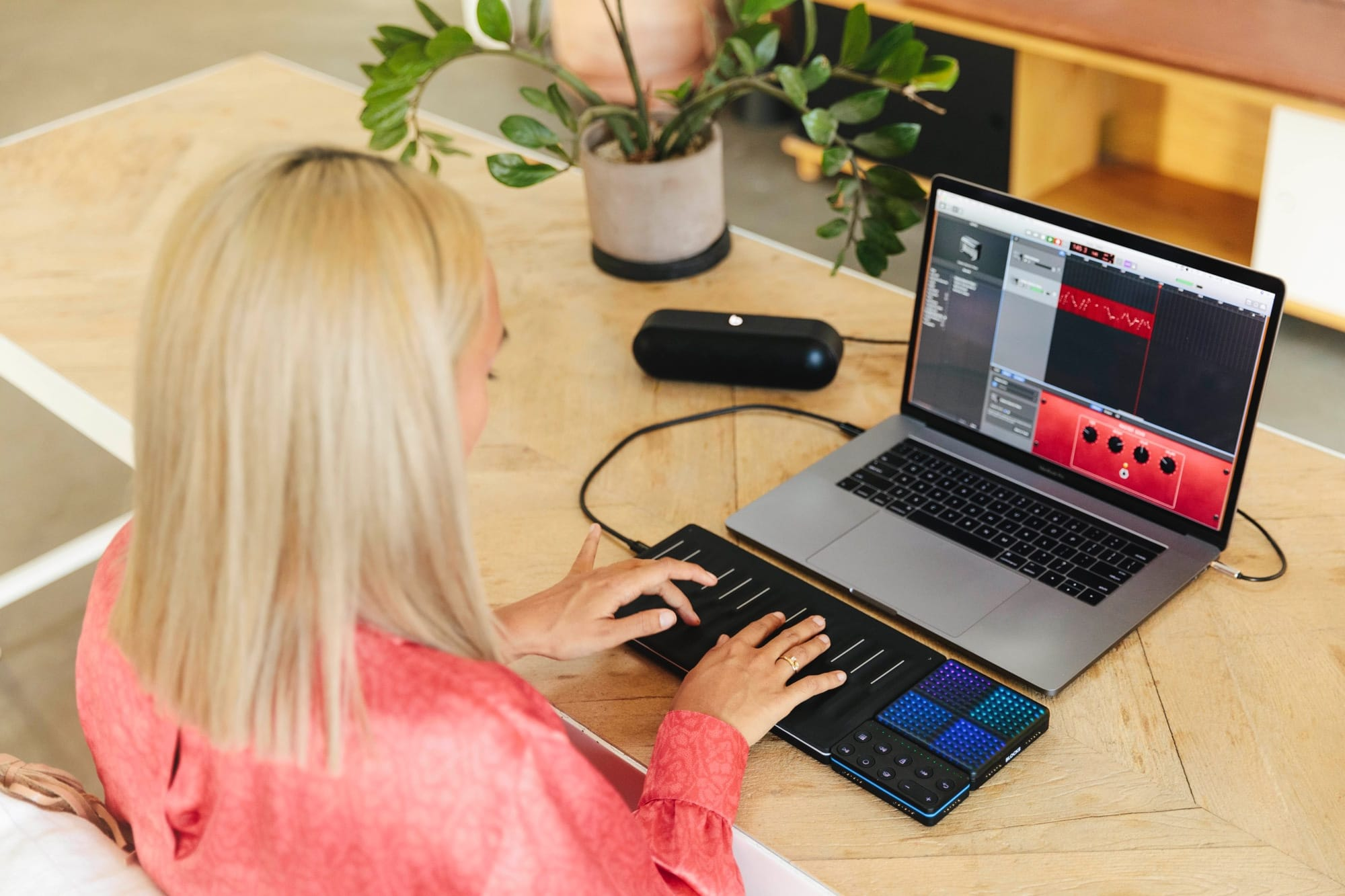 Roli Songmaker Kit Garageband Edition Adds Touch Control To Mac 3 Way Switch