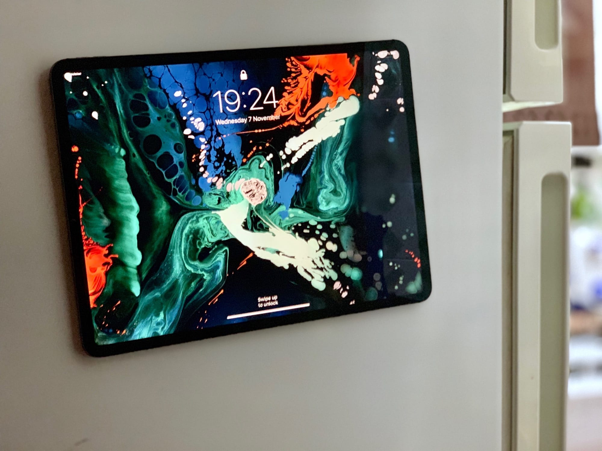 You can attach iPad Pro to a refrigerator thanks to magnets. But don't try this at home.