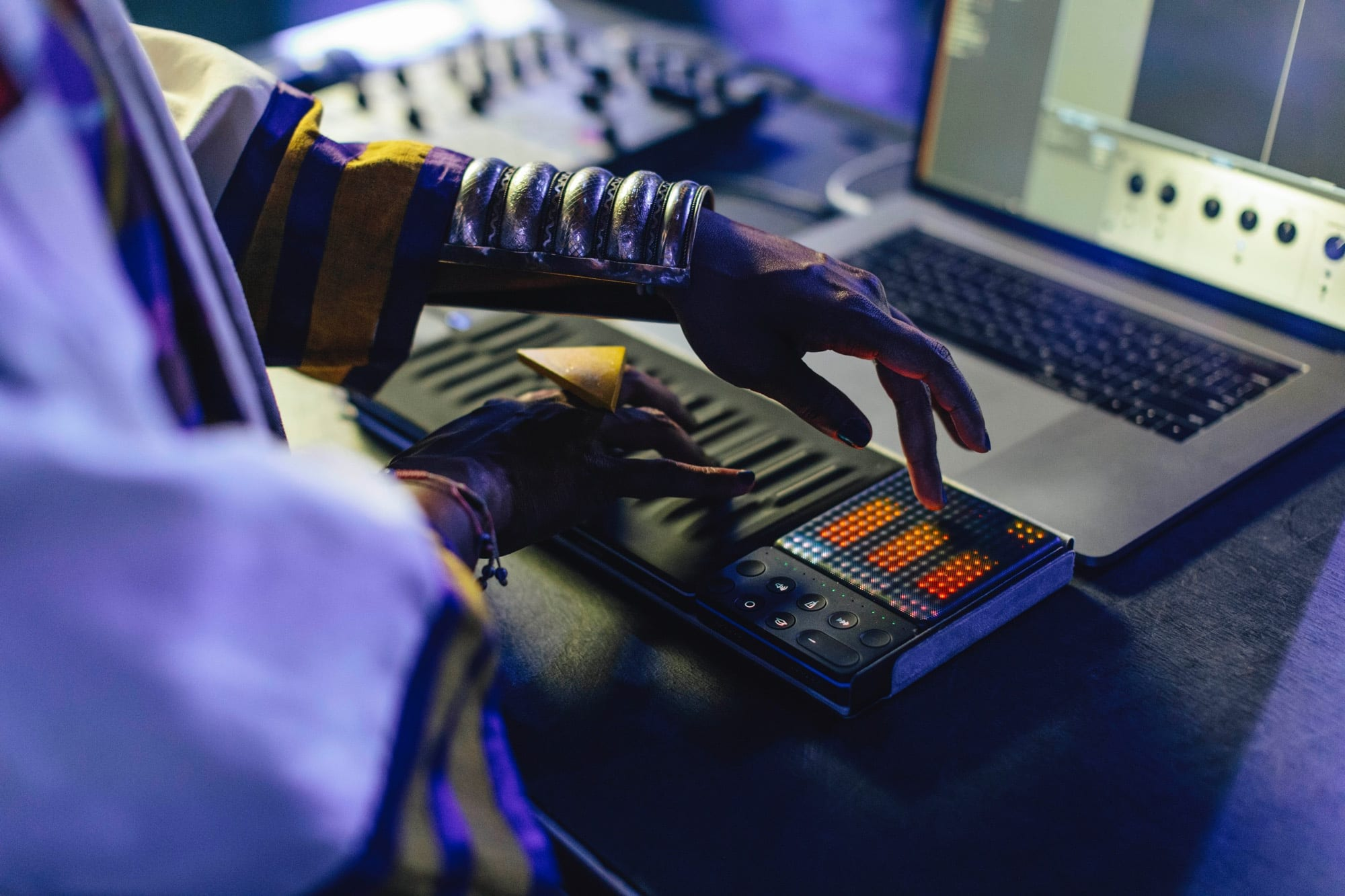 Roli Songmaker Kit Garageband Edition Adds Touch Control To Mac 3 Way Switch Even Aliens Can Enjoy