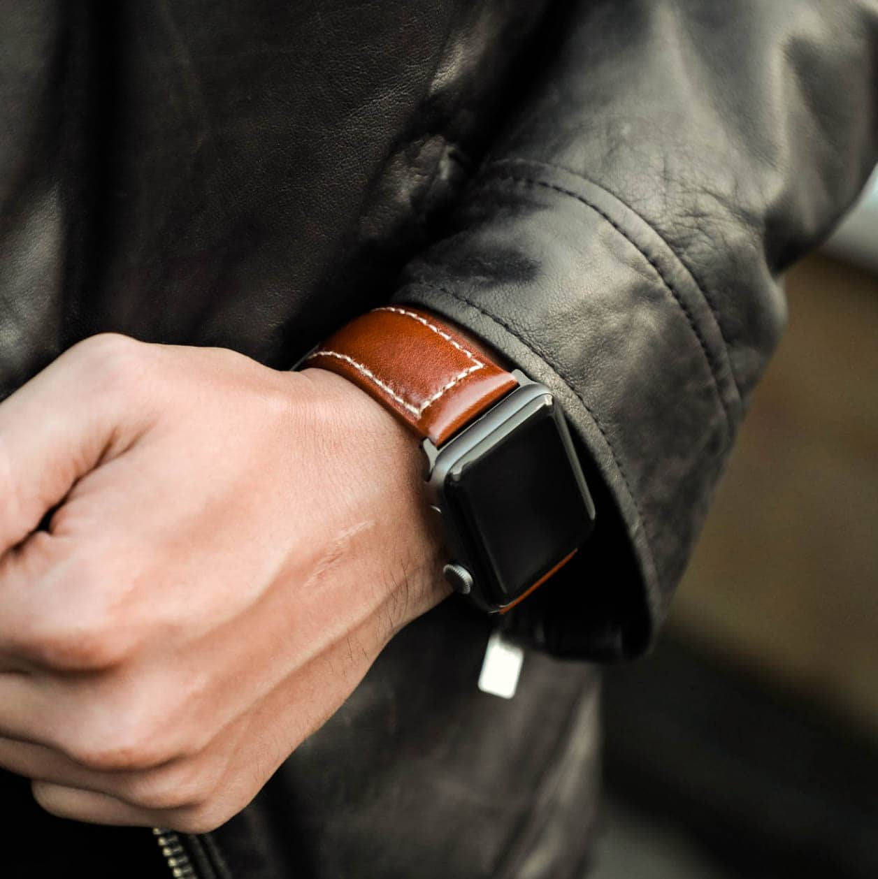 Rugged, beautiful Italian leather expertly crafted into an exceptional watch band worthy of your Series 4.