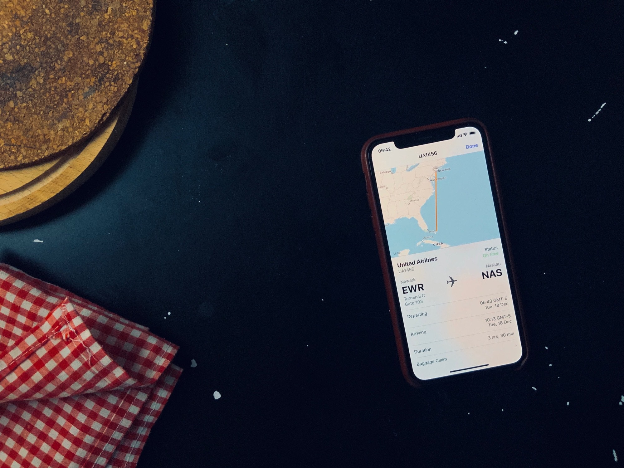 This flight tracker is built into every iPhone and iPad track flights