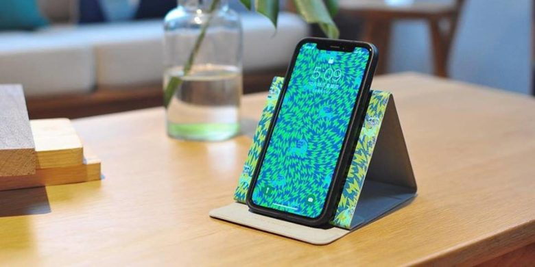 Pick the best wireless charger for your home, office, or car.