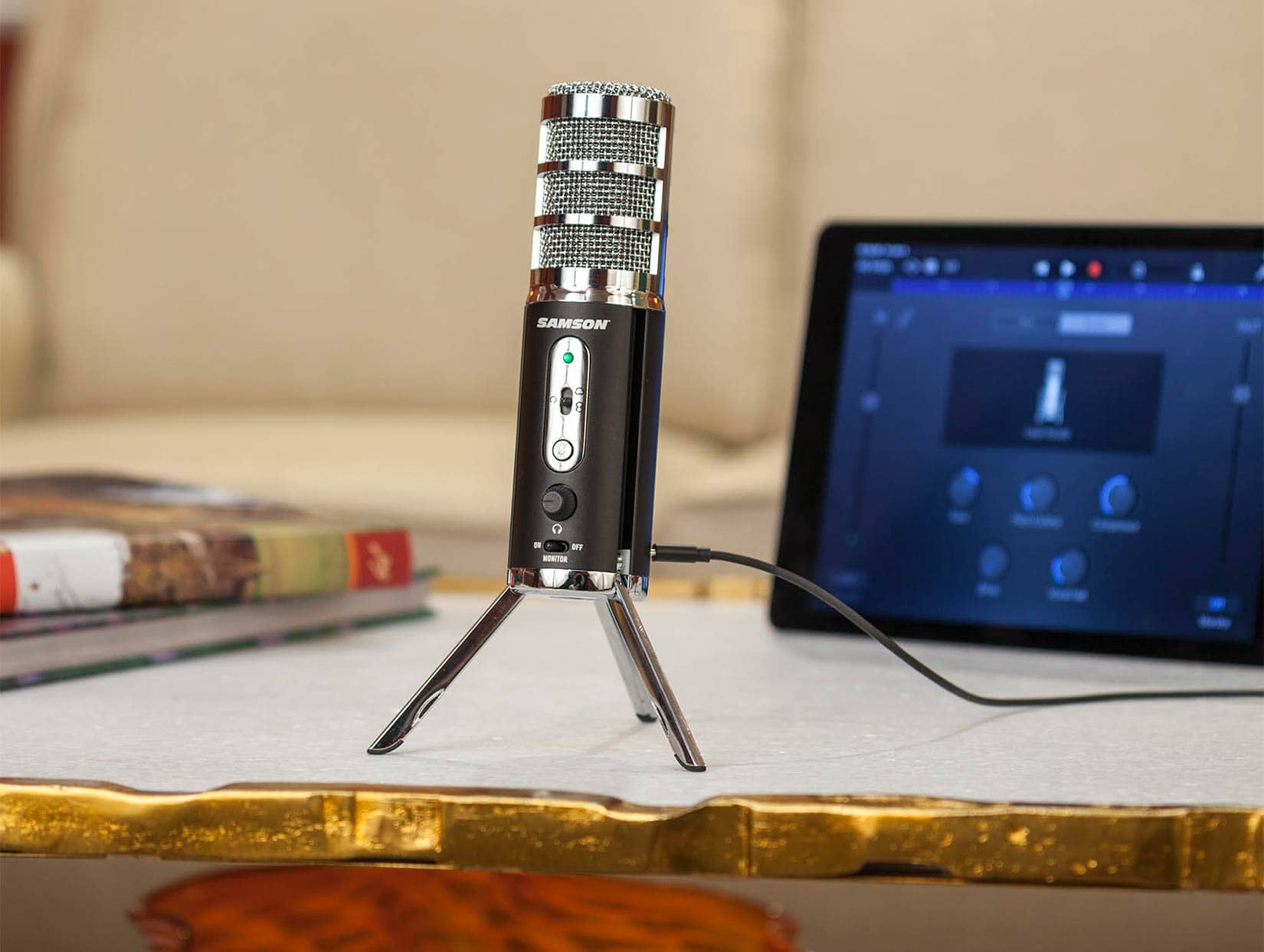 Retro Mic Turns your iOS Device into a Portable Studio