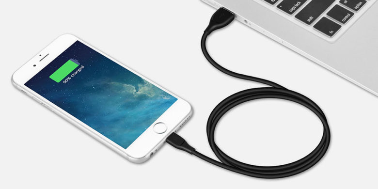 With the ability to survive 30,000 bends, and cary 275 pounds, this is one tough Lightning cable.