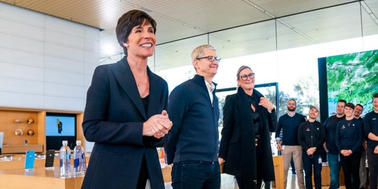 Apple's new Senior Vice President of Retail + People Deirdre O'Brien with Tim Cook.