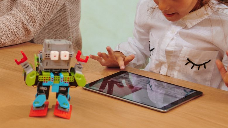 Apple female coders 1