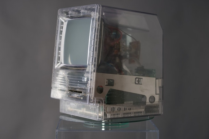 Macintosh SE clear case