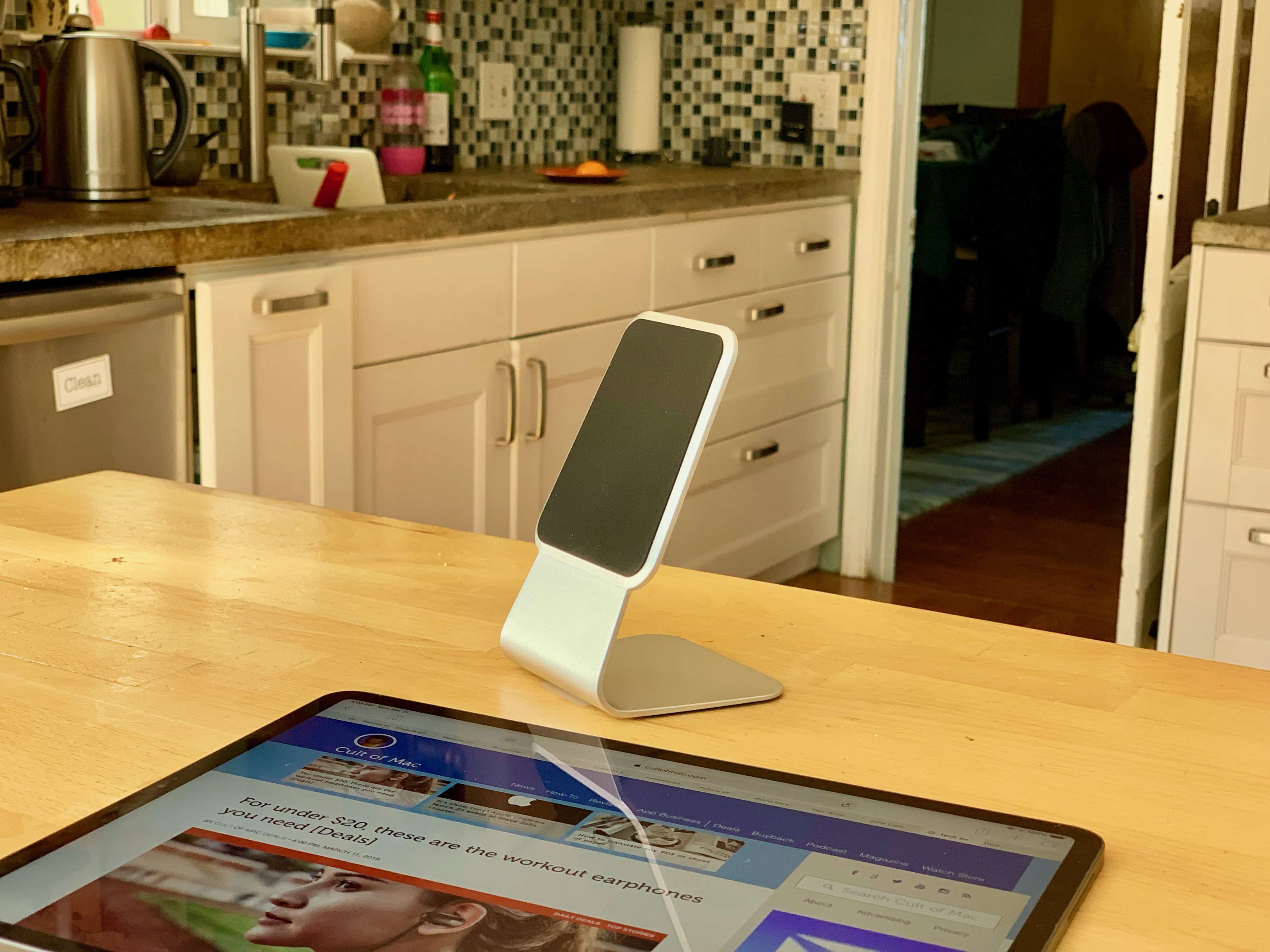 Wiplabs Slope iPad stand