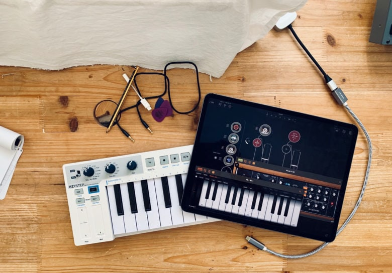 AUM should be on every musician's iPad.