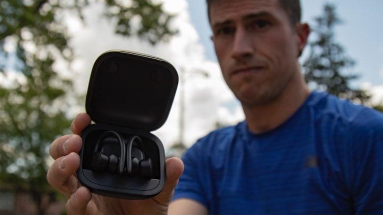 Powerbeat Pro in charging case