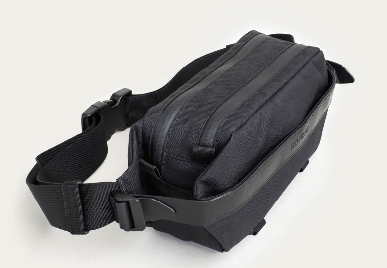 Moment hip pack for mobile photography