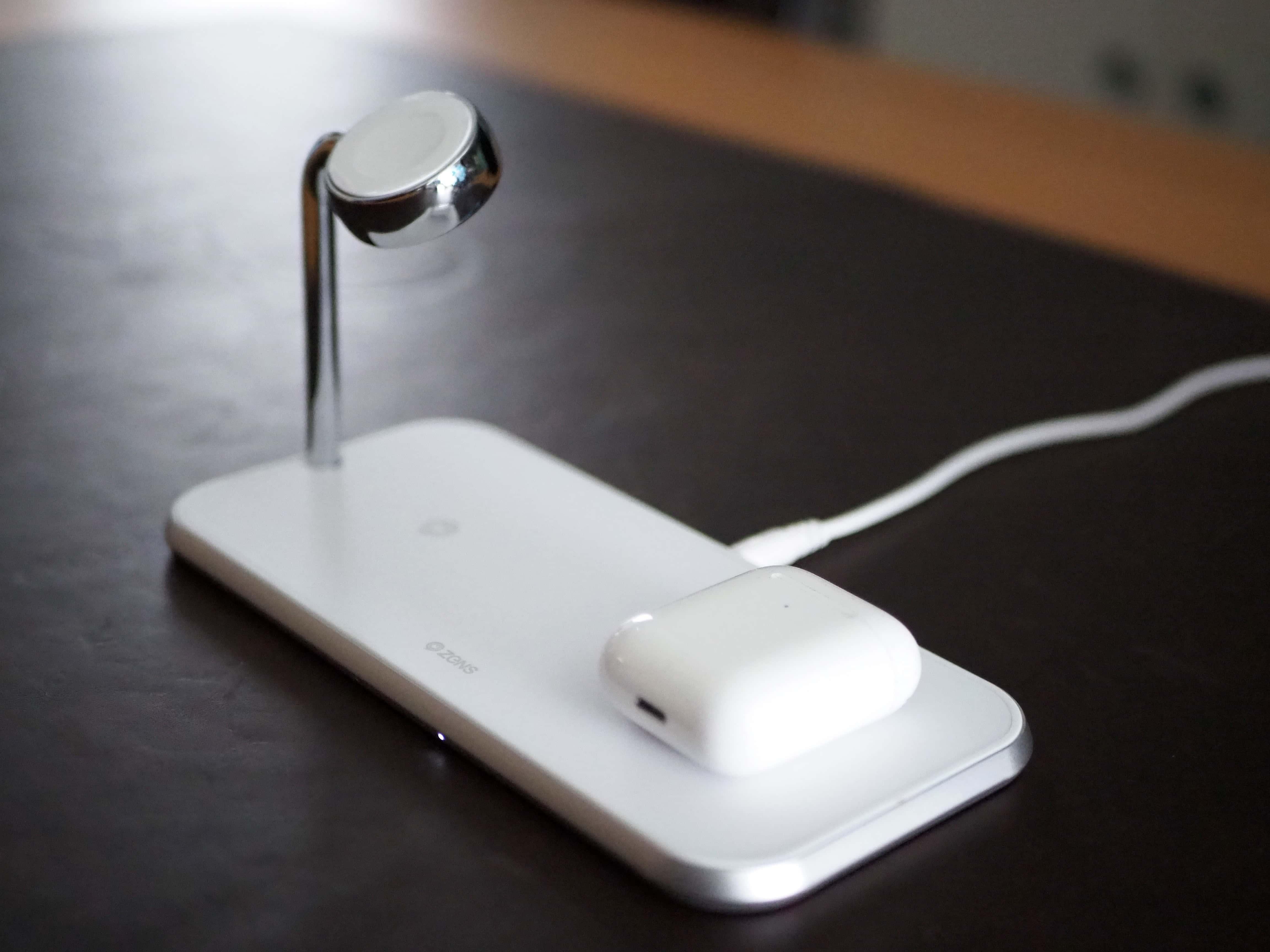 Zens Dual + Watch wireless charging mat in white.