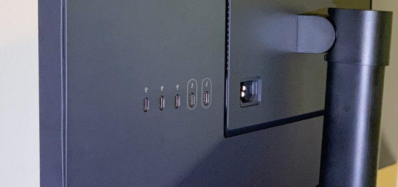 LG UltraFine 4K 2019 ports