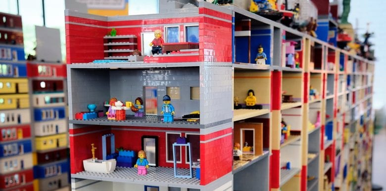 Lego Games Breaks Guinness World Record for World's Largest Lego Brick Diorama