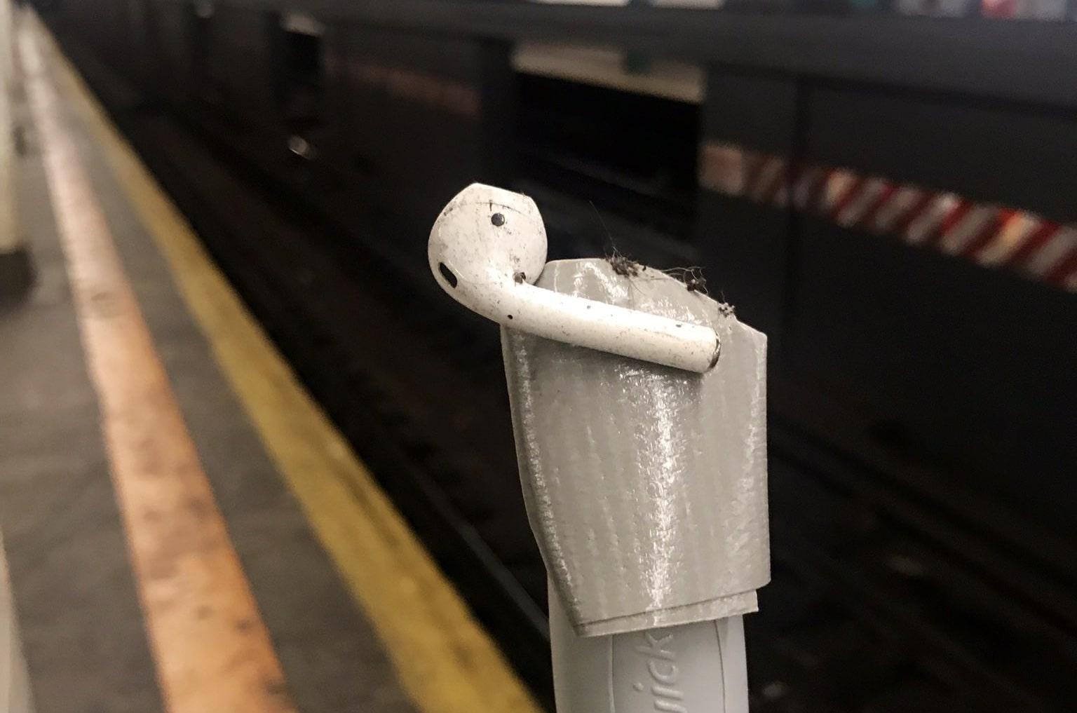 AirPod-subway-suicide