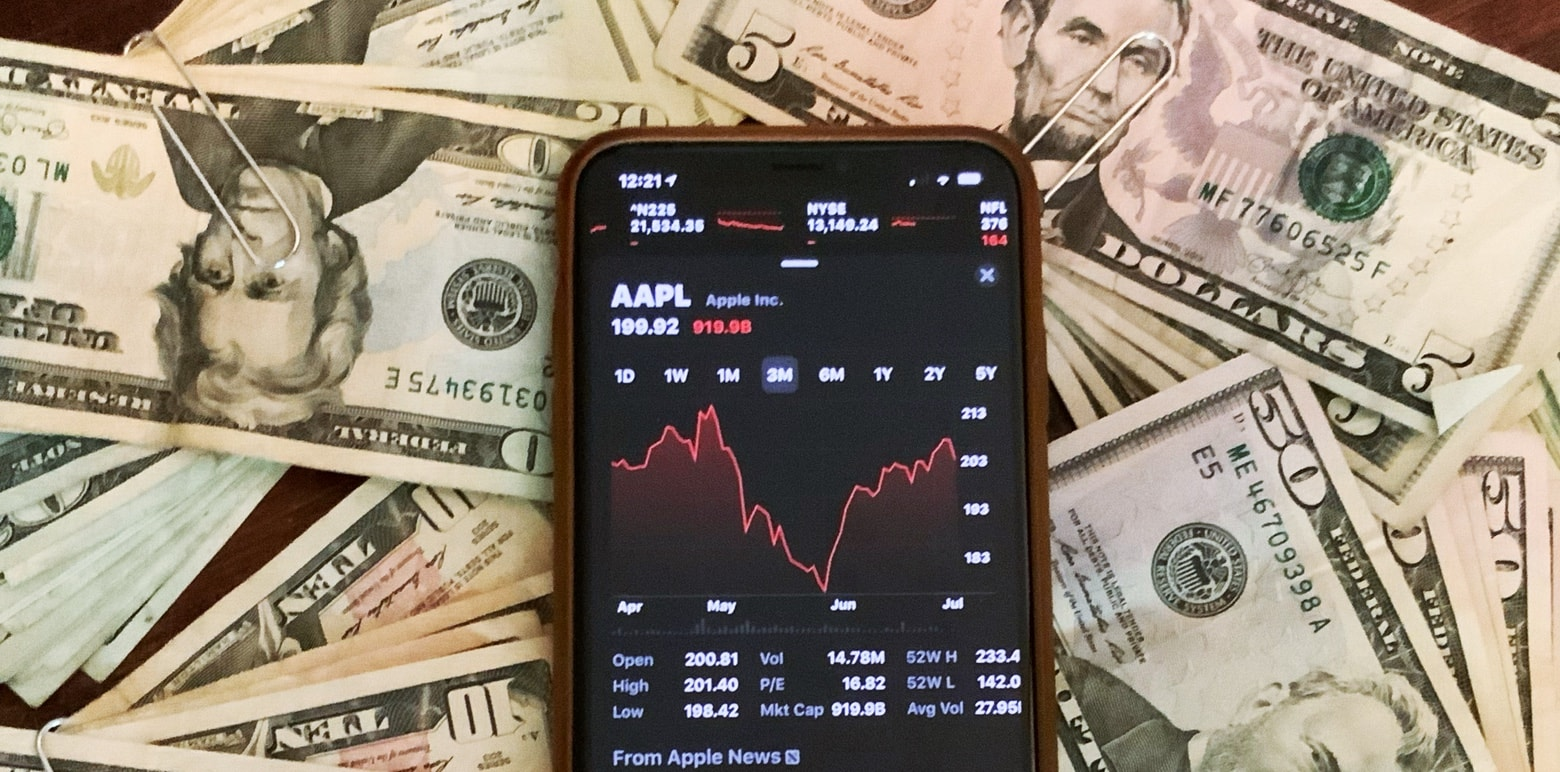 Apple share price down