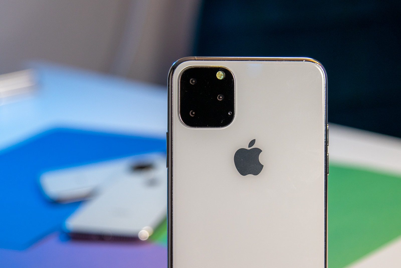 Close up or iPhone 11 dummy model camera setup