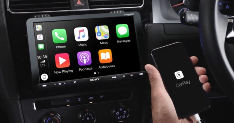 Sony XAV-AX8000 with Apple CarPlay
