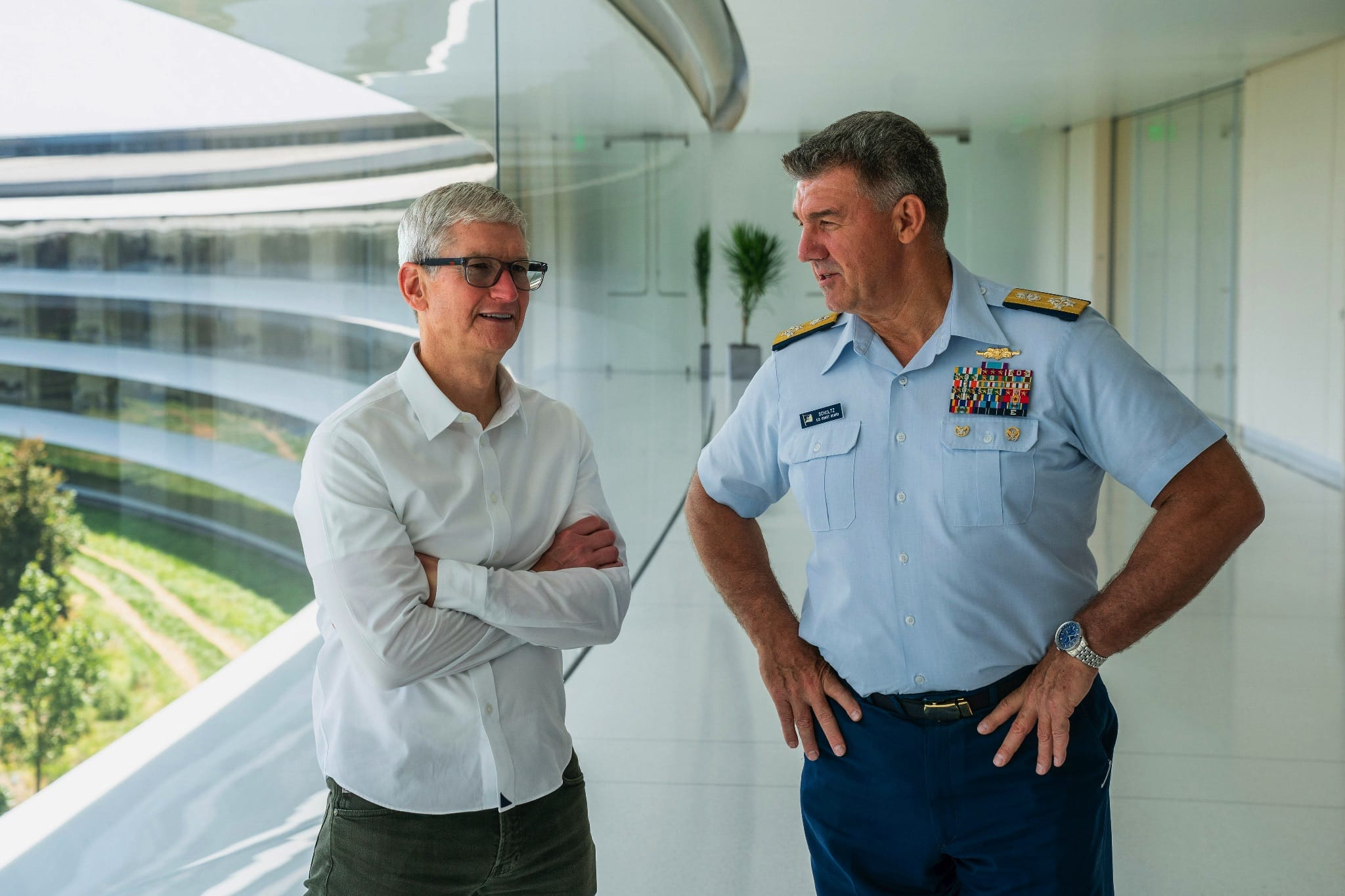 Tim Cook and U.S. Coast Guard Admiral Karl Schultz discuss making a positive impact on the world.